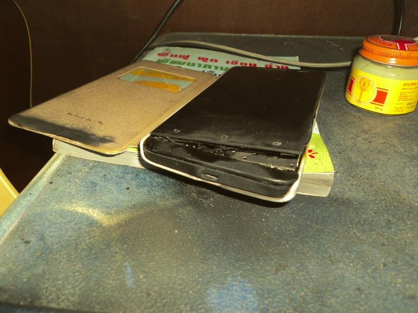 ZenFone 5 (A501CG) ระเบิด