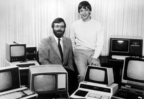Paul Allen (ซ้าย) และ Bill Gates ผู้ร่วมก่อตั้ง Microsoft